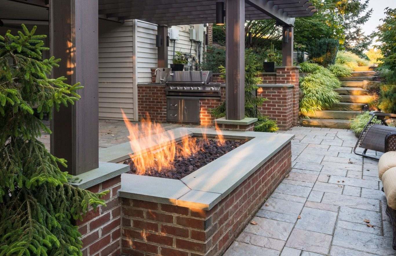 5 reasons why a fire pit should be your next outdoor project